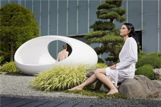 concept of unique sleeping experience in bed eggs to couples