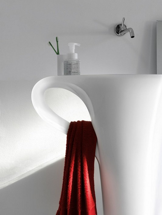 cup freestanding basin in funny and functional design