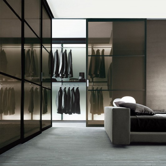 dress bold walk-in closet system in modern and elegant design