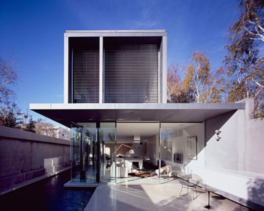 dynamic modern home design with small swimmingpool