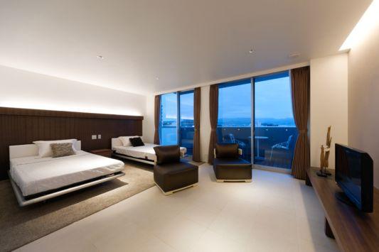 five floor condominium intefeel master bedroom