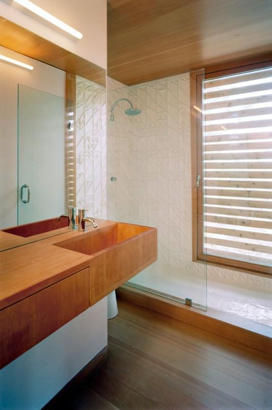 floating lake house bathroom design ideas