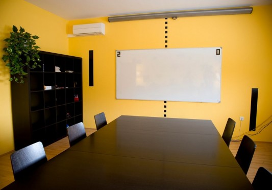 Fresh And Colorful Office Conference Room Decorating Ideas