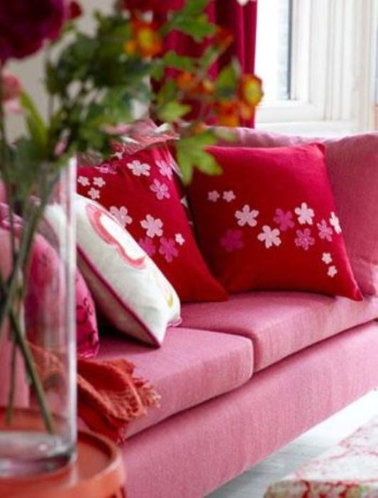 living room decoration with pink sofa