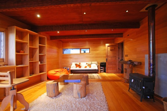 living-room-made-from-wood-554x370