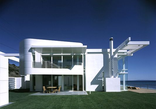 luxury beach house with modern design  in california