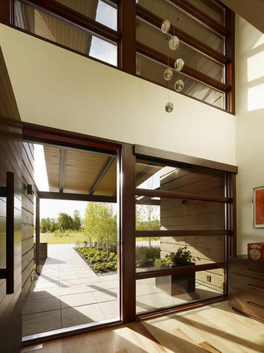 modern impression joint house of wood, glass and stone