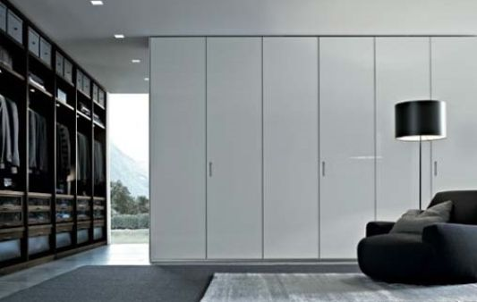 Modern Minimalist Black And White Walk In Closet