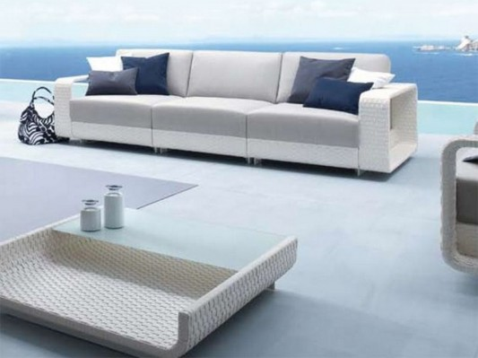 modern outdoor deck decoration with hamptons sofa