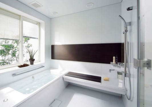 modern small bathroom with bathtub