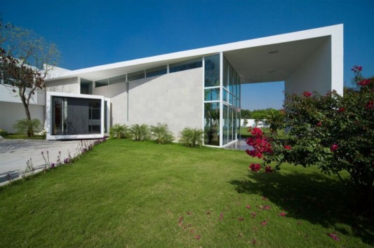 neo modern house design large garden concept ideas