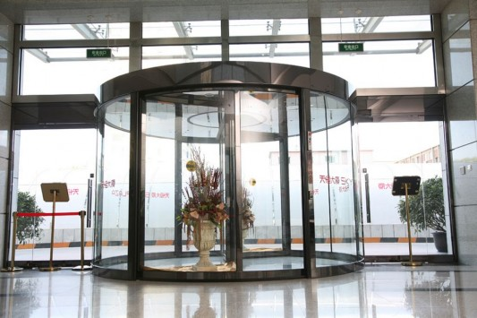 round automatic revolving door with contemporary design