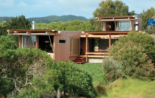 Simplicity And Elegant Beach House Design