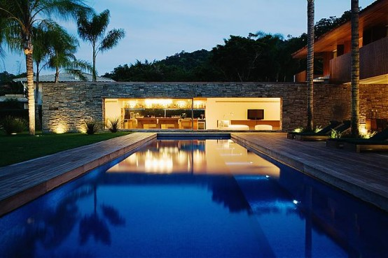 stone wall on beach house design