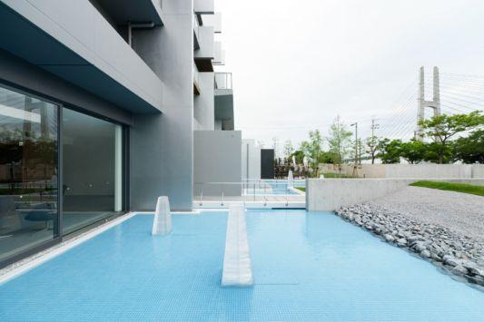 swimmingpool design intefeel apartment in japan
