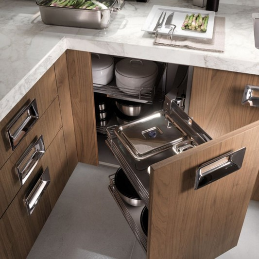 Traditional Italian Kitchen With Extra Cabinet