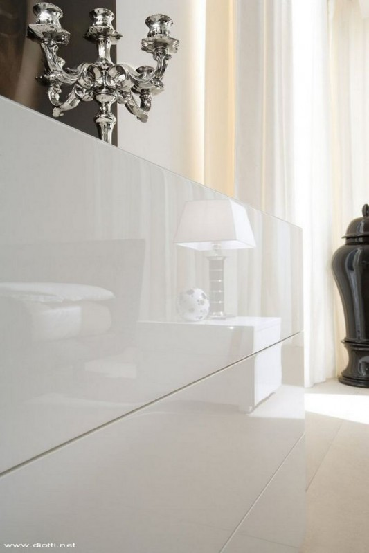 white lacquer dressing table stylish and elegant design by Diott