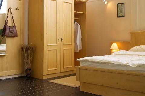 wood-wardrobe-design-interior