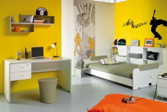 yellow color child room