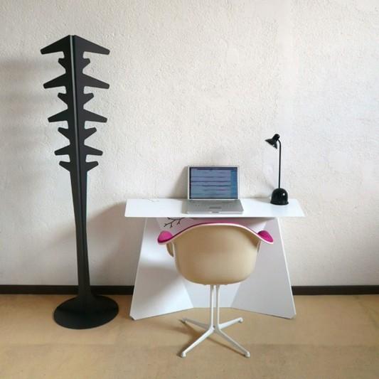 zeta office desk minimalist design with white lacquer
